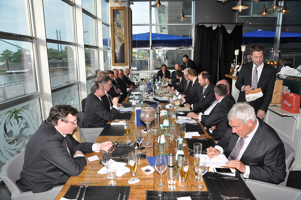 GROßE Generalversammlung im Segin's Restaurant